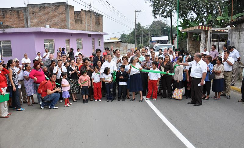 Circuito San Nicolas : El ahuizote veracruzano pavimentan circuito vial por